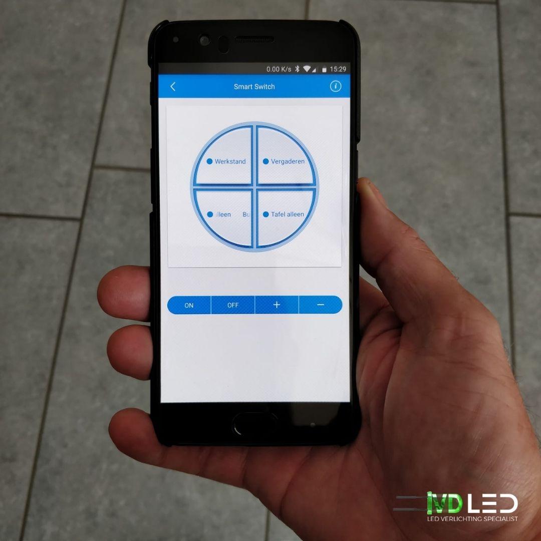 Draadloze bediening via een app op je telefoon voor LED verlichting. Er is de mogelijk om verschillende scenes en het dimmen van het licht