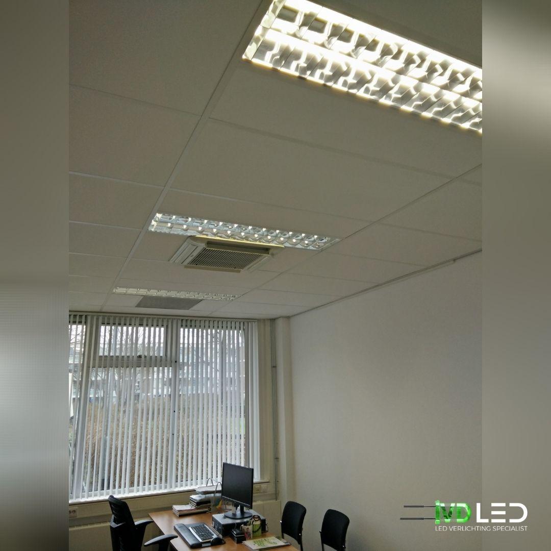 Kantoorruimte waar de oude TL lampen zijn vervangen door LED buizen